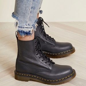 NEW Dr. Martens 1460 Pascal Leather Boots